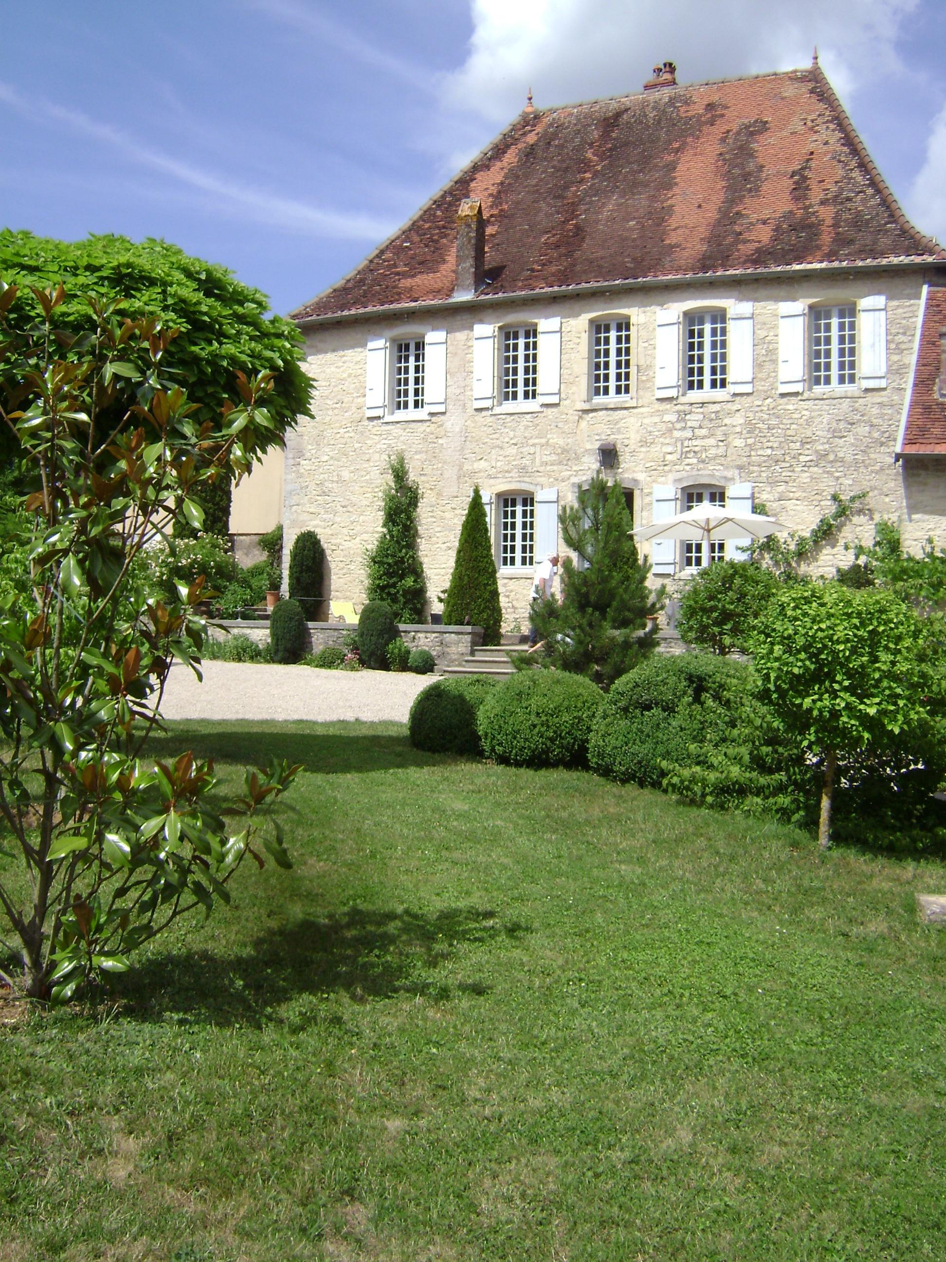 Les jardins du pavillon de Bouloie, à Hugier – Abeilles et ...