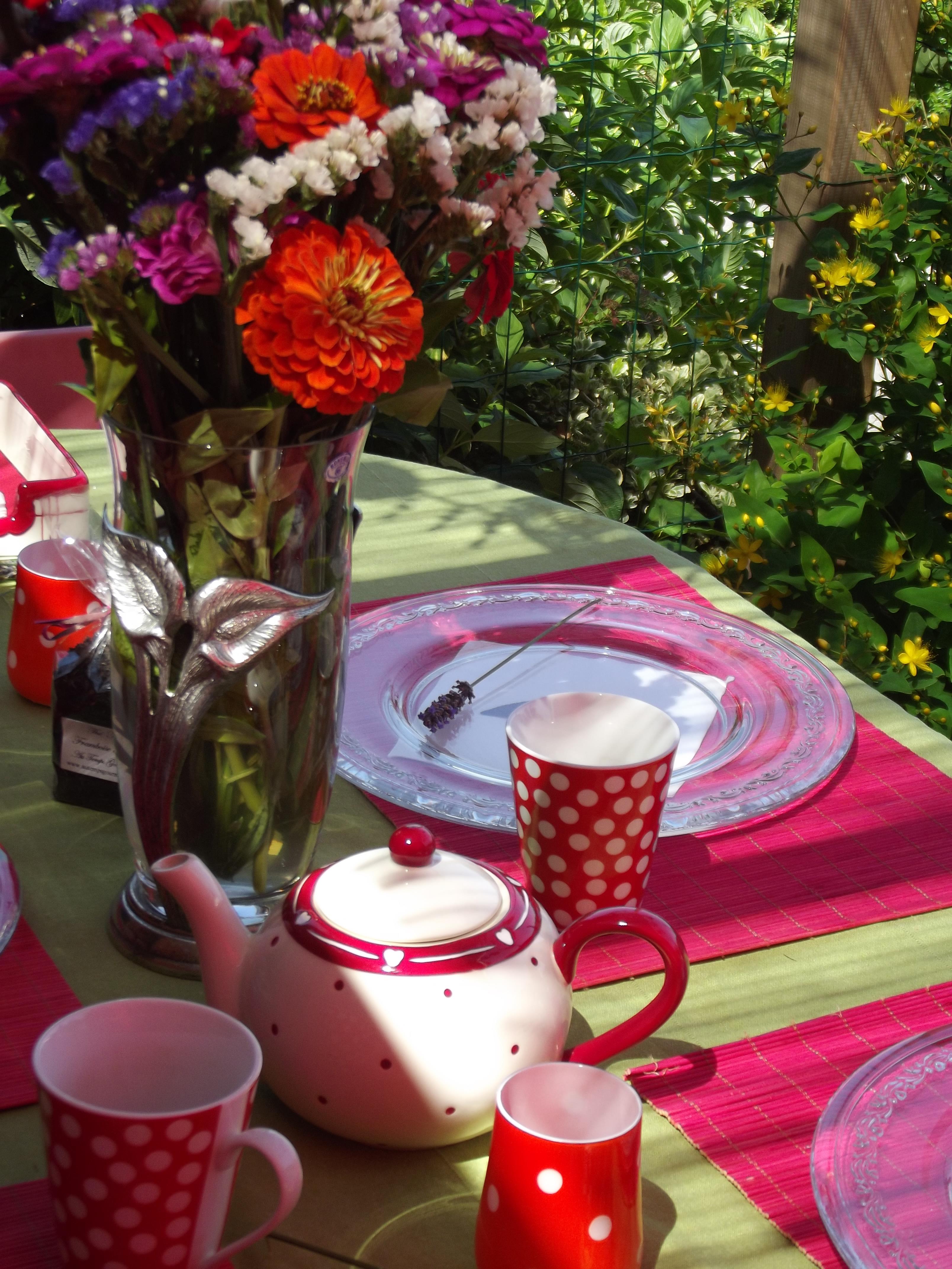 Table estivale et astuce d co naturelle abeilles et for Astuce et deco